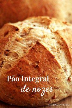 Pão integral com nozes    Um pão saudável, um pão integral, com a textura das nozes e um sabor incrível. Confira a receita desse pão delicioso.