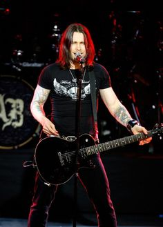 Miles Kennedy from Alter Bridge this man is amazing such a beautiful soul