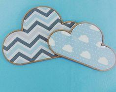 Dupla de Bastidores Nuvem para Decoração. Duo / dupla de quadrinhos bastidores em formato nuvem. Ideal para decoração do quarto do bebê. Tema super atual e fofo!   Medidas: 5mm de espessura, uma de cada tamanho: 15x20cm e 20x30cm.   Preço referente a dupla de quadrinhos (R$ 60,00) + frete.