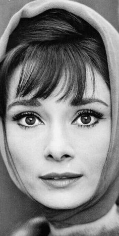Audrey Hepburn in the Audrey Hepburn Style, My Fair Lady, She Movie, Famous Stars, Celebrity Portraits, Silent Film, Classic Films, Beautiful Actresses, The Past