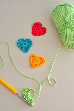 Loom Knitting Patterns, Textiles, Needle And Thread, Crochet Projects, Lana, Knit Crochet, Diy And Crafts, Crochet Necklace, Creations