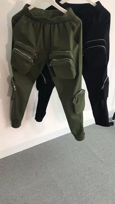 Best Cargo Pants, Cargo Pants Outfit Men, Mens Jogger Pants, Supreme Clothing, Men's Coats And Jackets, Fashion Pants, Black Nikes, Teen Fashion Outfits, Teen Fashion