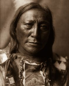 Edward Sheriff Curtis : Hollow Horn Bear An expansive photo record of Native American life in the early 1900s