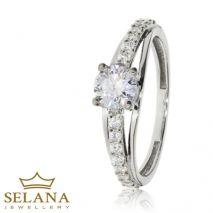 Doskonały pierścionek zaręczynowy