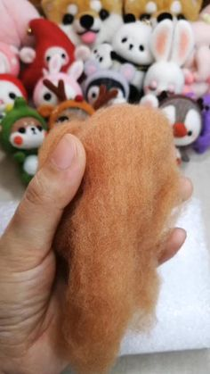 Diy Crafts For Girls, Felt Crafts Diy, Fun Crafts, Needle Felted Animals, Felt Animals, Pinterest Diy Crafts, Needle Felting Tutorials, Felt Fairy, Wet Felting