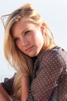 Heather is such a sweetheart! Heather Elizabeth Morris, Heather Morris, Tv Actors, Actors & Actresses, Brittany And Santana, Becca Tobin, Beautiful People, Beautiful Women, Glee Cast