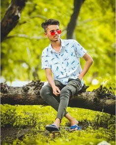 Cool Boy New Poses Pic Photography Poses for boy Cute Boy Photo, Photo Poses For Boy, Boy Photo Shoot, Senior Boy Poses, Senior Pics, Best Free Lightroom Presets, Bike Photoshoot, Best Photo Background, Good Poses