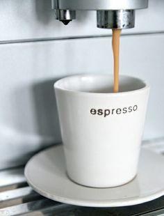 espresso-That Coffee House Espresso Cups, Espresso Coffee, Coffee Cafe, Coffee Drinks, Italian Espresso, I Love Coffee, Coffee Break, My Coffee, Coffee Mugs