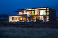 A South African #Villa with Earthy Textures & Rich Finishes > modern #architecture