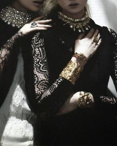 chateau-de-luxe:  voguelovesme:  Daga Ziober & Holly Rose by Ben Hassett for VogueRussiaDec 2013  chateau-de-luxe.tumblr.com