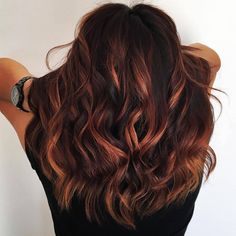 A scattered bronze balayage is a chic way to update auburn hair . - A scattered bronze balayage is a chic way to update auburn hair A scattered bronze - Brown Hair Cuts, Brown Hair Looks, Light Brown Hair, Coffee Brown Hair, Coffee Hair, Auburn Balayage, Copper Balayage Brunette, Non Blondes, Ombré Hair