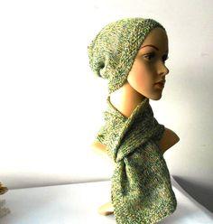 Cappellino grunge da uomo in lino tweed, verde muschio, lavorato ai ferri, cappello maschile abbinabile alla sciarpa a maglia in lino by cosediisa on Etsy