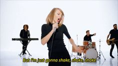 """This Mashup Of Taylor Swift's """"Shake It Off"""" And Florence's """"Shake It Out"""" Is Hauntingly Beautiful"""