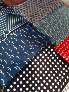 Tenugui cloths Japanese Textiles, Japanese Patterns, Japanese Design, Textile Design, Design Art, Traditional Fabric, Nihon, So Little Time, Cool Art