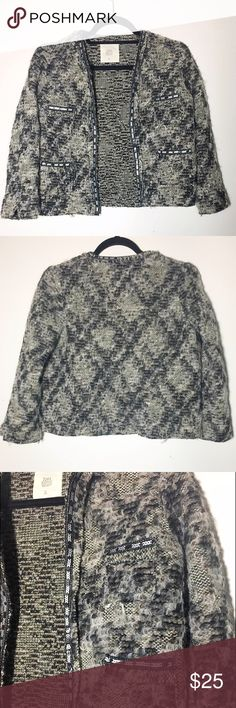 """Zara Knitwear boucle tweed & sequin jacket S Super awesome jacket, worn once. No sequins missing that I can note. Gold metallic thread woven throughout. Perfect for making the transition from day to night! Approx 34"""" bust, 19"""" length. Zara Jackets & Coats Blazers"""