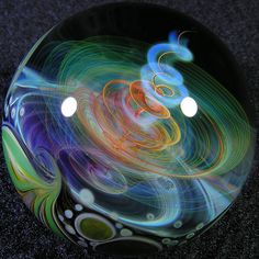 Marble by Mike Gong Cristal Art, Blown Glass Art, Glass Artwork, Marble Art, Glass Marbles, Glass Paperweights, Glass Ball, Glass Ceramic, Colored Glass