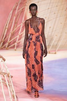 Ulla Johnson Spring 2020 Ready-to-Wear Fashion Show - Vogue Fashion Week, Fashion 2020, Runway Fashion, Dame Chic, Mode Editorials, Fashion Editorials, Looks Chic, Feminine Dress, Ulla Johnson