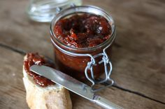 """I've made a """"tomato jam"""" recipe from someone in the U.S. and I'm curious to see if there is any difference in overall taste in this """"French"""" Chutney Tomate /via frenchementbon.fr @barbryjones"""
