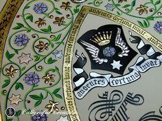 Su blasón, su escudo...Un trabajo de caligrafía e iluminación exclusivo. Oro, plata y pergamino para poner en valor el símbolo de la familia y el noble linaje. Manuscrito e iluminado a mano.