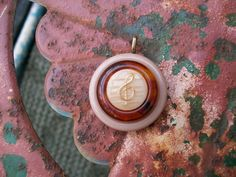 vintage button pendant jewelry necklace by Suddendeersighting, $19.00
