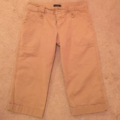 Express size 8 Capri khaki pants dressy Super cute Capri cropped beige khaki pants! Express Pants Ankle & Cropped