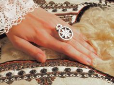 The silver reel ring Headbands, Jewels, Rings, Floral, Silver, Traditional, Inspiration, Accessories, Patterns