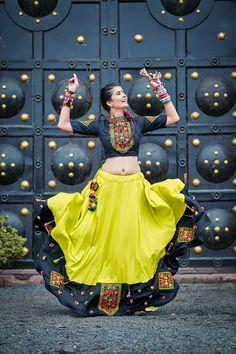 Navratri Garba Dress For Women - Buy Now Garba Chaniya Choli, Garba Dress, Navratri Garba, Navratri Dress, Lehnga Dress, Lehenga Choli, Banarsi Saree, Bridal Lehenga, Choli Blouse Design