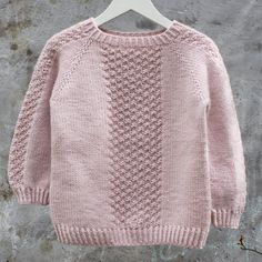 Image of Perlestykke oppefra og ned Raglansweater Str.Perlestykke pattern by PixenDk Find our dictionary translating Danish to Norsk, Svenska, English and Deutsch HEREBrowse all products in the Barn 1 - 10 År category from PixenDk. Kids Knitting Patterns, Baby Sweater Patterns, Baby Cardigan Knitting Pattern, Baby Boy Knitting, Knitted Baby Cardigan, Knit Baby Sweaters, Knitting For Kids, Girls Sweaters, Baby Patterns