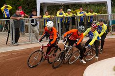 My cycling sport as a kid was this, cycle speedway... Cycle Speedway - BCTG Elite League - Sheffield v Leicester by Jon Pinder, via Flickr Online Work, Hack Online, Tennis Games, Push Bikes, Grand Tour, Bmx, Cycling, Guys, Username