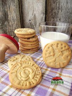 Biscuiti cu unt de arahide Unt, Biscotti, Cookie Recipes, Waffles, Bacon, Gluten, Sweets, Cookies, Breakfast