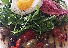 Salad doesn't always have to be eaten alone. Go against the grain, start your own trend, and top grilled flatbread with arugula salad, and a poached egg. Eat it as a pizza if you dare. Grilled Vegetables, Fruits And Veggies, Clean Eating Snacks, Healthy Eating, Grilled Flatbread, Vegetable Prep, Healthy Afternoon Snacks, Eating Alone, Arugula Salad
