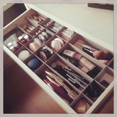 "13 Fun Diy Makeup Organizer Ideas For Proper Storage From The Author: ""13 Fun DIY Makeup Organizer Ideas For Proper Storage"" Discovered Here: Allie Richardson saved to Room (Pinterest Board) Original Post: 13 Fun Diy Makeup Organizer Ideas For Proper Storage Vanity Update From The Author: ""Makeup vanity organization. Perfect!"" Discovered Here: Lo B saved … #makeupvanities #makeupvanity #makeuporganizerdiy"