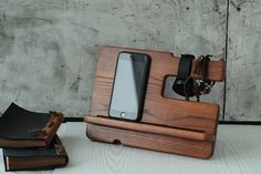 Docking station - station is compatible with all Android phones, all iPhones, windows phones, all tablets. SIZE : Height x Width x Depth cm)х cm) х MATEIALS: handmade from wood - oak,natural beeswax COLORS: -Light Oak -Brown Oak -Gray Oak -Cherry Oak Watch Organizer, All Iphones, Android Phones, Windows Phone, Docking Station, Desk Organization, Bath Caddy, Apple Watch, Unique Jewelry