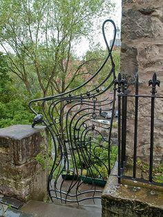 Russian wrought Iron Gate - http://www.kovkasuvenir.ru/market/dlya_krupnogo_biznesa/kalitki/