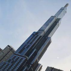 Never stop looking up. Burj Khalifa, Looking Up, Vietnam, Skyscraper, Luxury, Travel, Instagram, Skyscrapers, Viajes