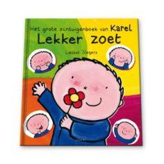 ZINTUIGEN zijn in het dagelijks leventje van karel erg belangrijk. Dankzij zijn ogen, zijn oren, zijn neus, zijn tong en zijn handen leert hij alles om zich heen kennen. Alle zintuigen komen aan bod in dit grote zintuigenboek. Met als extraatje versjes, spelletjes en vraagjes die het boek nog aantrekkelijker maken voor kleuters. Voor jonge kinderen gaat er een hele wereld open dankzij hun zintuigen. Ook voor Karel.