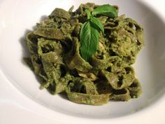 Go to www.honestlyfitness.com to get the recipe for this salmon pesto with gluten-free and vegan pasta. Enjoy the rich and creamy taste with none of the guilt!  #healthypasta #pesto #vegan #glutenfree