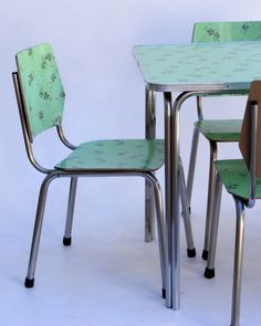 Vamp formica kitchen table and chairs, yes please!