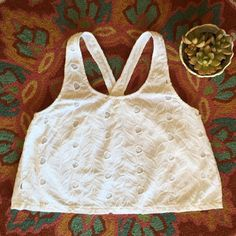 House of Harlow Top Cute Cut out Embroidered crop top.  Perfect for this Spring/Summer Season. Pair with your favor shorts or skirt. In excellent condition. No stains or rips.  House of Harlow 1960 Tops Crop Tops