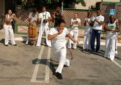How to Do a Capoeira Handstand