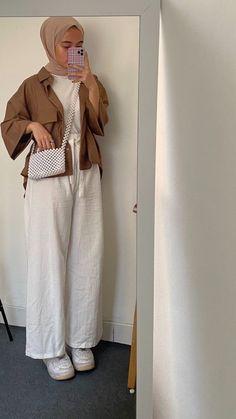 Hijab Fashion Summer, Modern Hijab Fashion, Street Hijab Fashion, Hijab Fashion Inspiration, Muslim Fashion, Ootd Fashion, Casual Hijab Outfit, Mode Streetwear, Korean Outfits