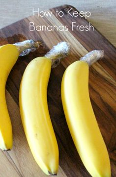 to Keep Bananas Fresh Is this really all it takes to keep bananas fresh? So genius!Is this really all it takes to keep bananas fresh? So genius! Healthy Snacks, Healthy Eating, Healthy Recipes, Fall Recipes, Keep Bananas Fresh, Food Facts, Baking Tips, Fruits And Veggies, Vegetables