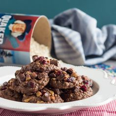 This shop has been compensated by #CollectiveBias, Inc. and Quaker. All opinions are mine alone. There are tons of oatmeal recipes out there, but these Loaded Chocolate Cookies are bound to be your...