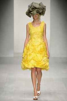 John Rocha. Spring 2013 Ready to Wear. Love the pale yellow of this dress. The fabric reminds me of crepe paper.