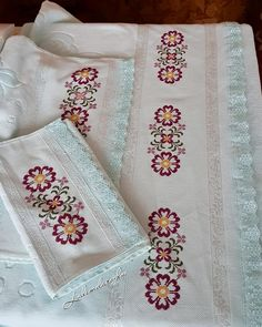 Cross Stitch Borders, Cross Stitch Designs, Cross Stitching, Cross Stitch Patterns, Embroidery Stitches, Hand Embroidery, Palestinian Embroidery, Bargello, Baby Knitting Patterns