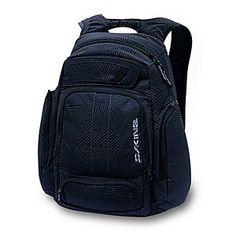 5db33a0e66a37 Dakine Covert Rucksack Black Patches ◘ Ein cooler Rucksack für die Schule  und Freizeit  ▻ Ein großes übersichtliches Hauptfach mit geolstertem ...