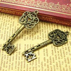 10 pcs Antique Bronze Skeleton Key Charms 55x22mm by kinacraft