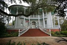 Lovely!  The Steamboat House, New Iberia, Louisiana - Historic Homes & Property for Sale @ PreservationDirectory.com, PreservationDirectory.com - Historic Preservation and Cultural Resource Management Resources and Research Tools for Historical Societies, Organizations and the General Public -