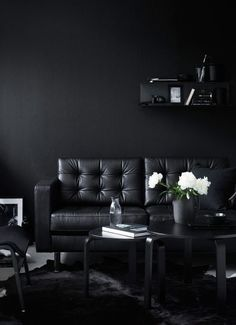 Cool 15 Elegant Black Living Room Decoration Ideas For More Enchanting Do you want to display a black interior design in a simple living room but still beautiful and elegant? The interior of the black color will never be. Black Interior Design, Room Interior Design, Living Room Interior, Living Room Furniture, Living Room Decor, Black Living Room Paint, Black Room Design, Dining Room, Interior Office