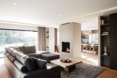 Luxe loungebank met open haard